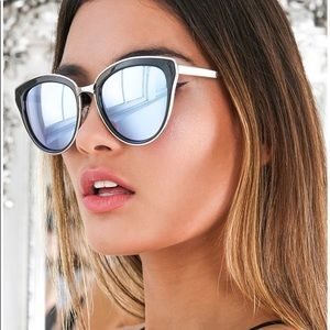 Quay Every Little Thing Mirror Sunglasses